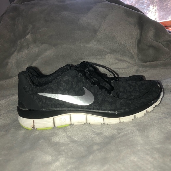 Nike Shoes Gratis 50 Cheetah-løb 7Poshmark Gratis kørsel 50 sort cheetahprint Poshmark
